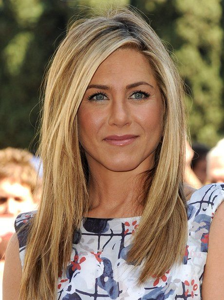Jennifer Aniston Plantea En Nada M S Que Una Corbata El Mes De
